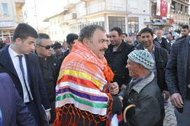 Afyonkarahisar'ın Hocalar ilçesinde AK Parti seçim bürosu açıldı