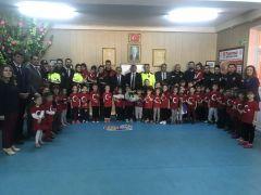 Afyonkarahisar polisi anaokulunu ziyaret etti