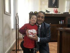 Down sendromlu çocuklar Emniyet Müdürlüğü'nü ziyaret etti