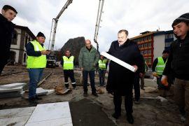 Eroğlu, inşaat çalışmaları son aşamaya gelen Afyonkarahisar Kent Meydanını inceledi