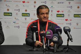 Afyonspor'un antrenörü Cevdet Göç, son düdüğe kadar aynı inançla savaşacaklarını söyledi.