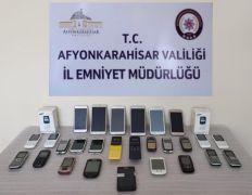 Gümrük kaçağı cep telefonları ele geçirildi