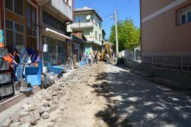 Şuhut'ta doğalgaz altyapısı sebebi ile bozulan yollard onarılmaya başladı