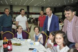 Şuhut'ta minik sporculara iftar verildi