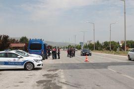 Afyonkarahisar Valisi Tutulmaz trafik denetimlerine katıldı