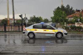 Şuhut'ta şiddetli yağış ve dolu etkili oldu