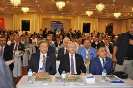 Kılıçdaroğlu belediye başkanları çalıştayında konuştu