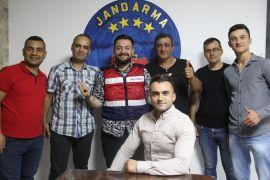 Ses sanatçısı Hüseyin Kağıt'tan Mehmetçiğe moral ziyareti