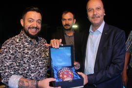 Şuhut'ta Zafer Haftası etkinlikleri Hüseyin Kağıt konseriyle devam etti
