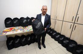 Afyonkarahisar'da 500 öğrenciye kırtasiye yardımı