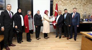 Muhtarlar Derneği'nden Başkan Zeybek'e ziyaret