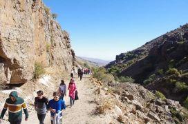 Öğrenciler Bininler turizm bölgesini gezdi