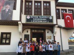 Afyonkarahisarlı minik öğrencilerden Atatürk Evi'ne ziyaret