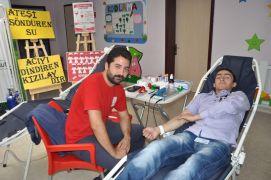 Anaokulu öğretmen ve velileri kan bağışında bulundu