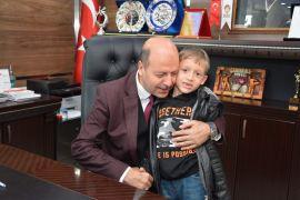 Şehit İbrahim Imış'ın oğlu Kayra'dan Başkan Bozkurt'a sürpriz ziyaret