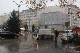 Afyonkarahisar'da mevsimin ilk karı yağmaya başladı
