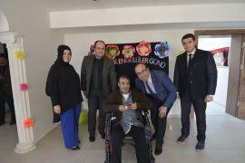 Başkan Mustafa Çöl'den Engelli Bakım Merkezi'ne ziyaret