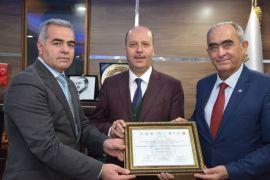 Şuhut Belediyesi 12. Ege İlleri Tanıtım Günlerinin en başarılı coğrafi ürün tanıtımı ödülüne layık görüldü