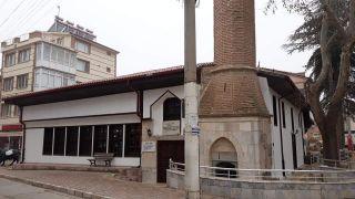 Bakıma alınan tarihi Alaca Camii yeniden ibadete açıldı