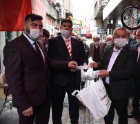 Afyonkarahisar'da berber ve kuaför salonları ücretsiz dezenfekte ediliyor