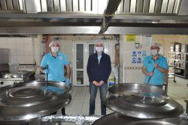 Afyonkarahisar Belediyesi'nden ücretsiz sıcak yemek ikramı