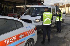 """Jandarma trafik ekiplerinden """"Trafik Haftası"""" uygulaması"""