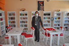 'Doktor' unvanlı öğretmen 'Yılın Çalıkuşları'ndan biri oldu