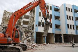 50 yıllık geçmişe sahip binanın yıkımına başlandı