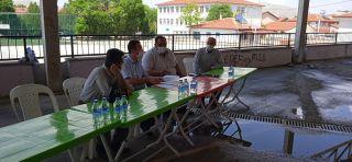 Karaadilli Beldesinde 'Vişne Hastalık ve Zararlıları' ile ilgili çiftçi toplantısı