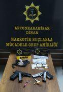 Şüphe üzerine durdurulan araçta eroin ve uyuşturucu hap ele geçirildi