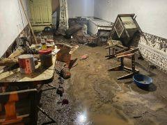 Afyonkarahisar'da 3 ev sular altında kaldı