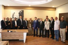 Diyarbakır'a atanan Cumhuriyet Başsavcısı Mustafa Çelenk, basın mensuplarıyla vedalaştı