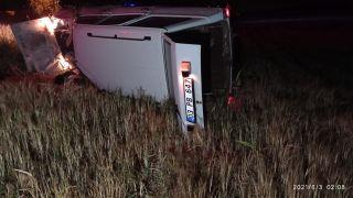 Takla atan otomobil sürücüsü olay yerinde hayatını kaybetti