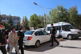 Uyuşturucu operasyonlardı yakalanan 3 kişiden ikisi tutuklandı